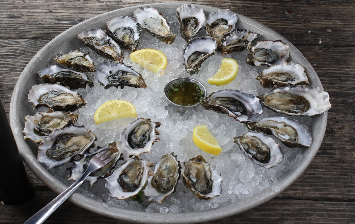 Are oysters still alive when you eat them