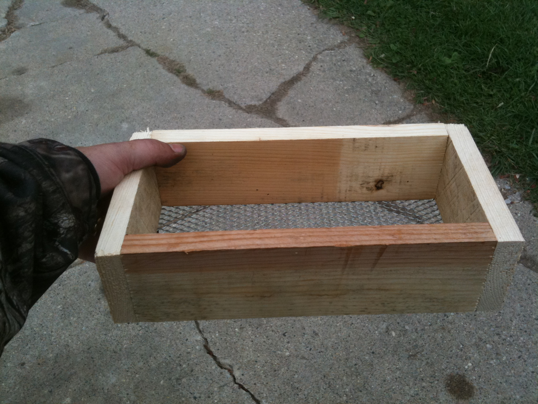 How To Build a Trapping Dirt Sifter