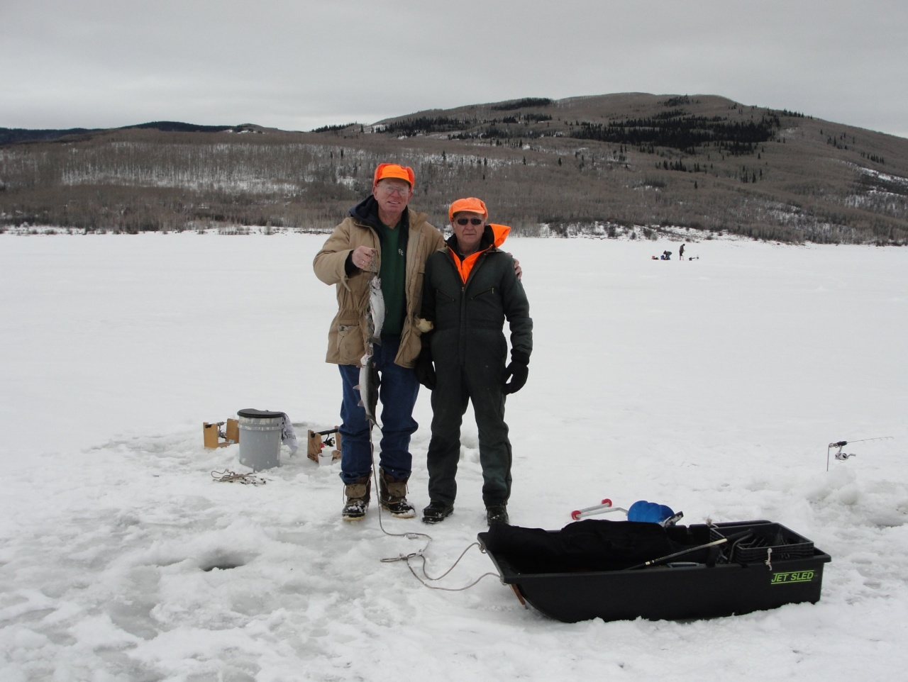 Colorado 39 s vega state park hosts ice fishing tournament for Ice fishing tournament