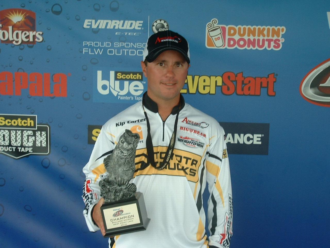Carter wins walmart bass fishing league bulldog division for Fishing license ga walmart