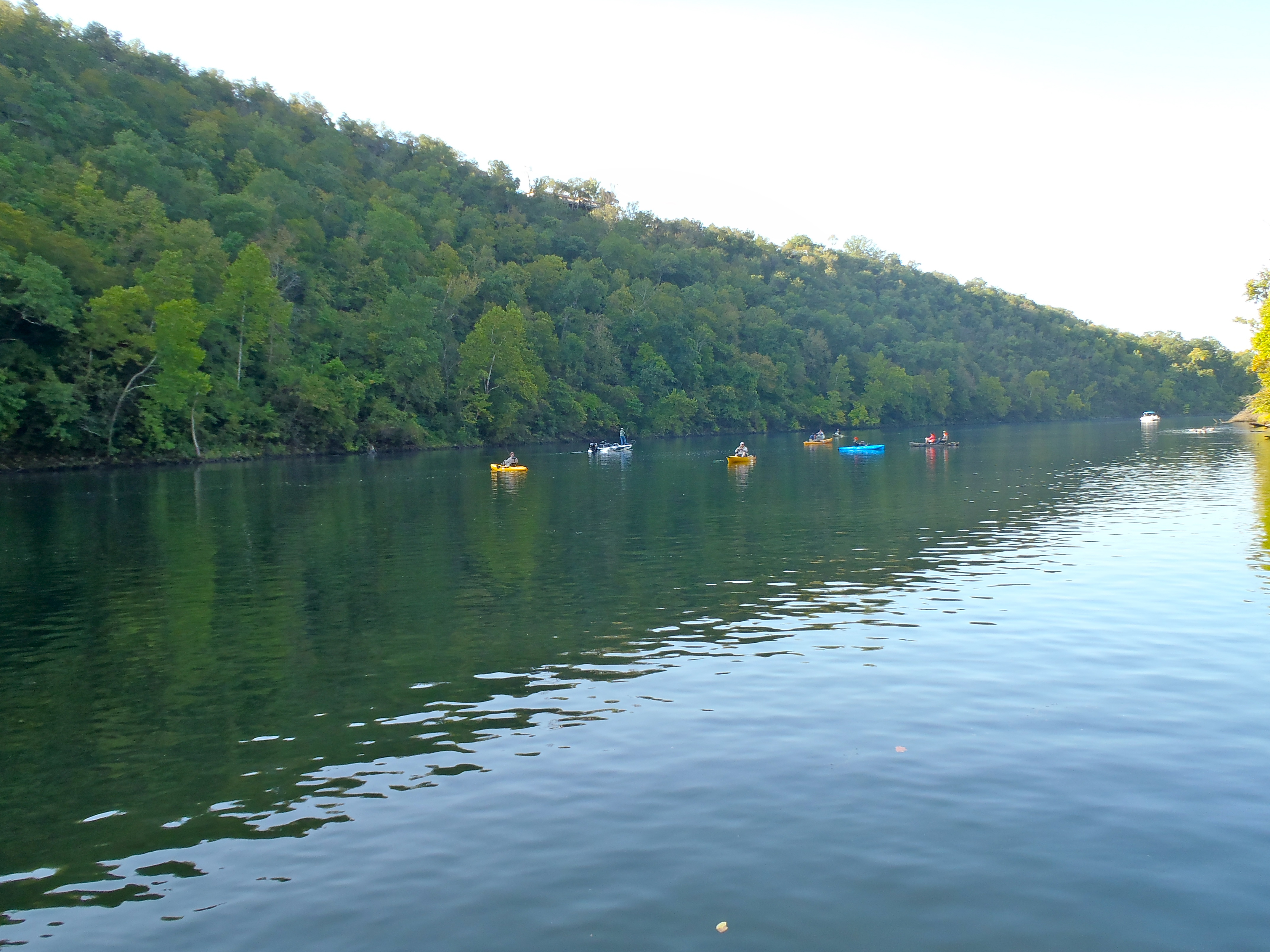 Lake taneycomo trout take notice outdoorhub for Lake taneycomo fishing