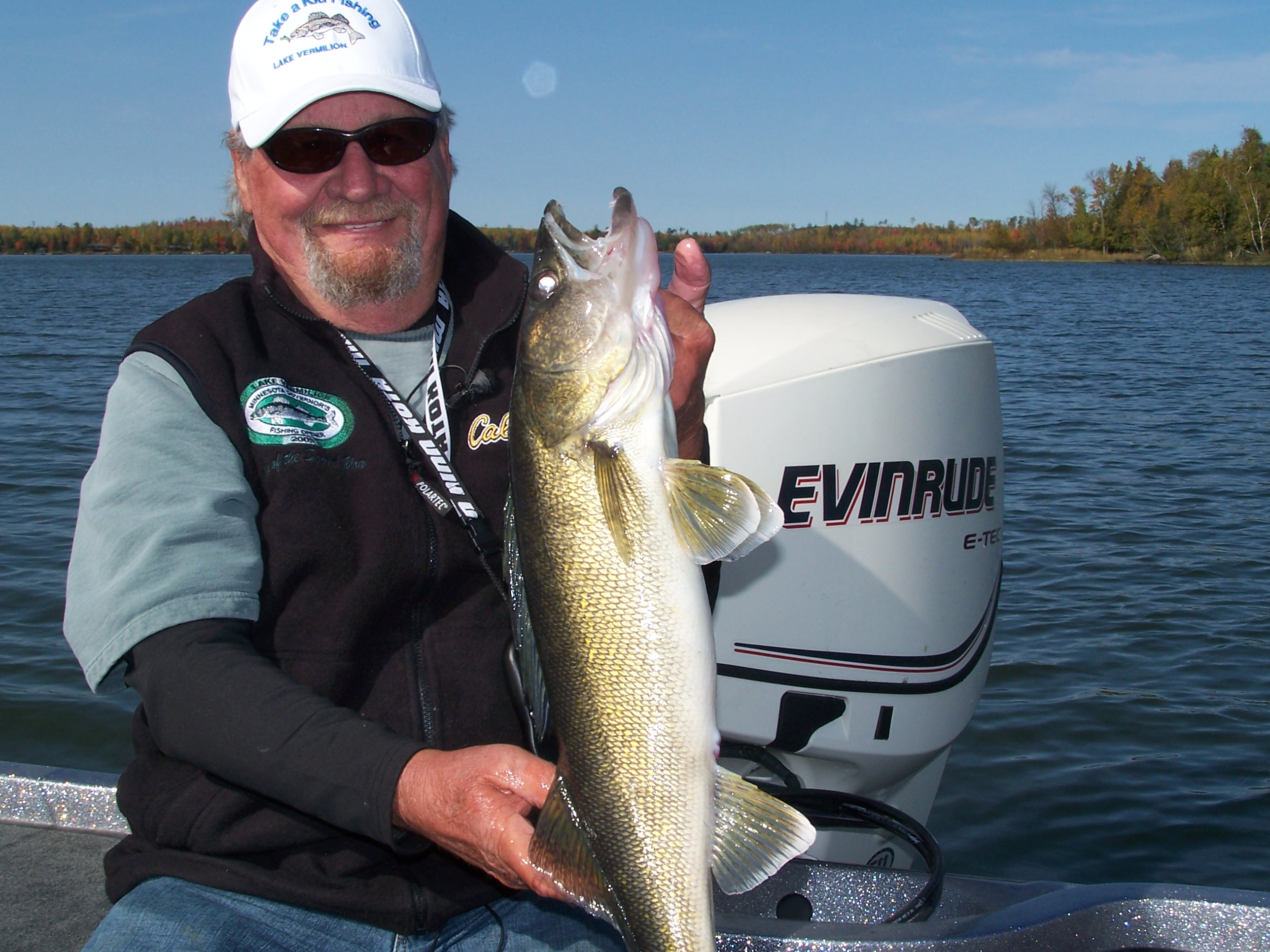 Use live bait for fall fishing success outdoorhub for Live bait fishing