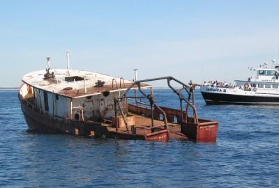 reef boat