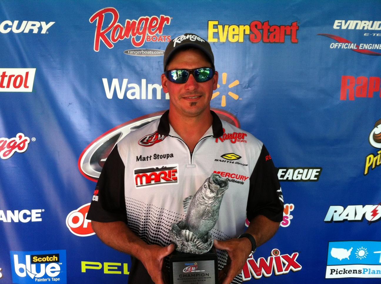 Stoupa wins walmart bass fishing league shenandoah for Fishing license md walmart