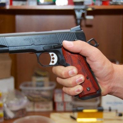 Proper handgun grip (1)
