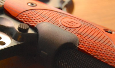 The texture in these rosewood grips is simply stunning.