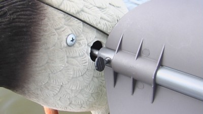 The heavy-duty wings use thumb screws with ample threads to retain the screws when removing.