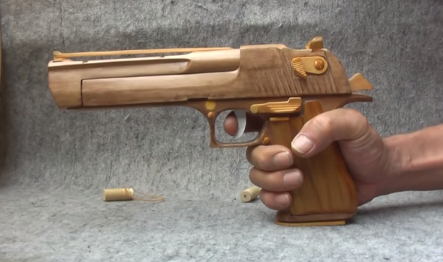 Video Quot Fully Functioning Quot Wooden Desert Eagle Outdoorhub