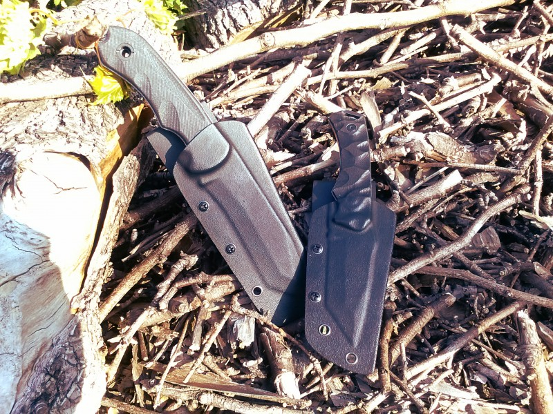 Schrade knives camouflage themselves from predators by hiding in a tough Kydex shell. They're not very good at blending in.