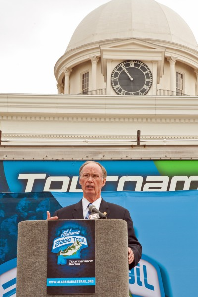 Governor Bentley helped take the Alabama Bass Trail to a new level with the announcement of the Tournament Series for 2014.