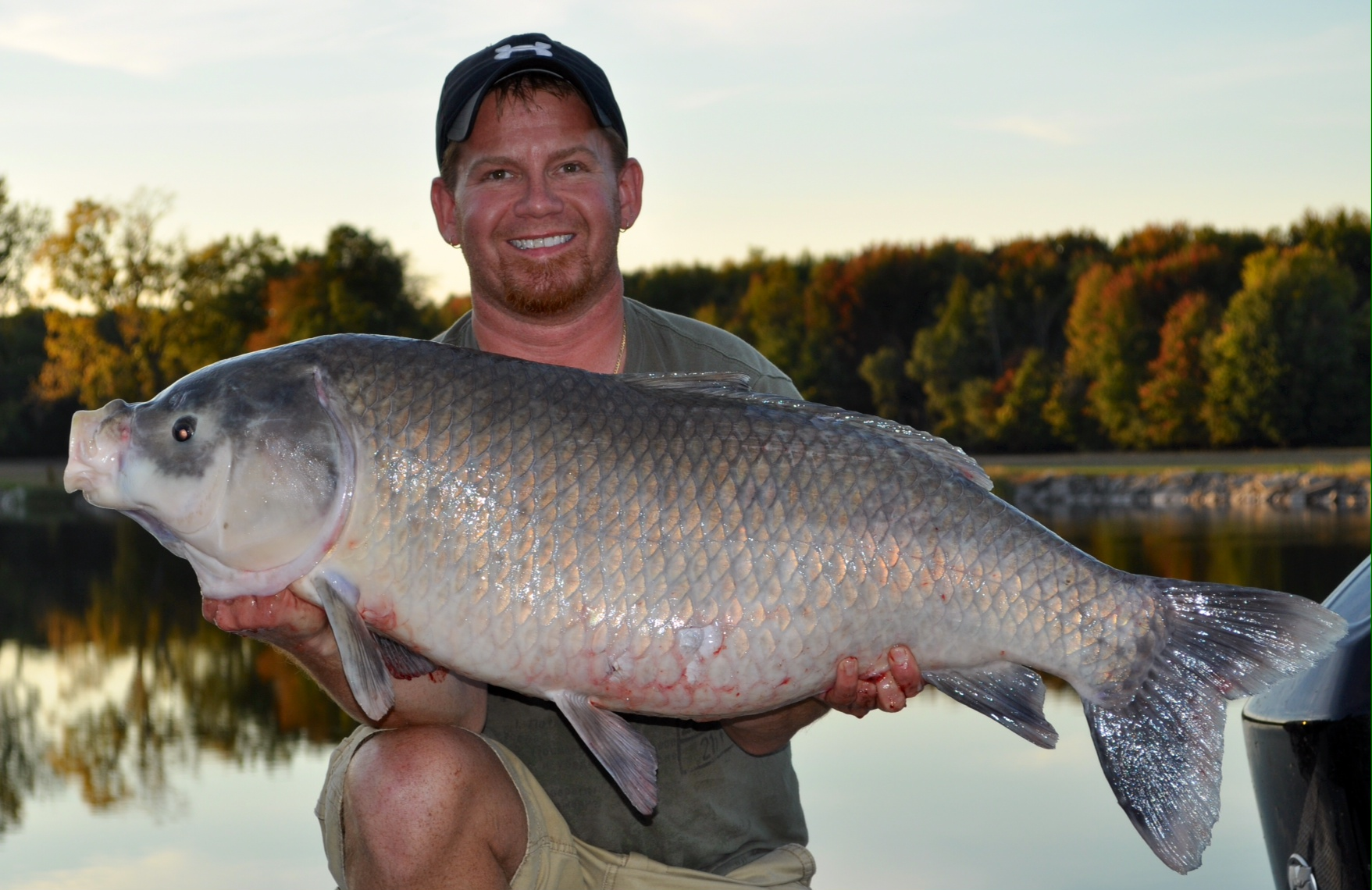 Bowfisherman takes new ohio state record buffalo outdoorhub for New sandusky fish company
