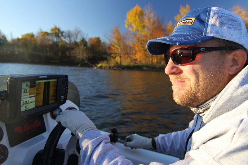 Lindgren locates late fall and early winter spots by using LakeMaster mapping and Humminbird Side Imaging.