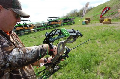 Vertical bows, such as this Hoyt Carbon Element Bone Collector model, have the same advantages and disadvantages of crossbows. Each has its strengths and weaknesses, but both are good choices.