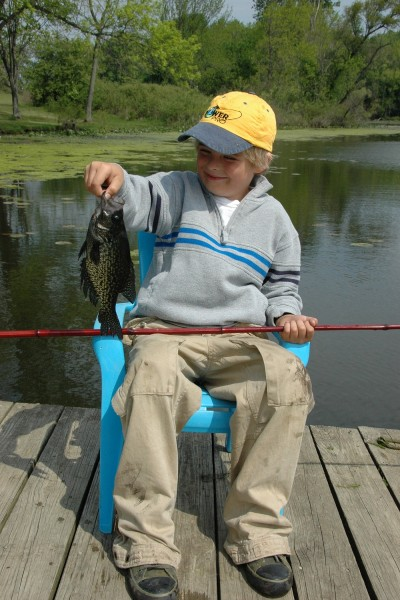 A study conducted for the US Fish and Wildlife Service showed that children who had their first fishing experience from boats were less likely to fish again than children who were exposed to angling from the shore.