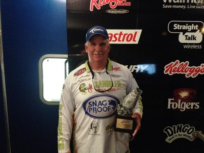 Co-angler Luke Campbell of Fort Lauderdale, Fla., won the Jan. 4 Gator Division event on Lake Okeechobee with a 21-pound, 3-ounce limit of bass. For his efforts, Campbell was awarded $3,000 in tournament winnings.