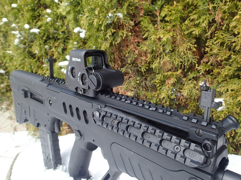 All Tavor models include backup iron sights.