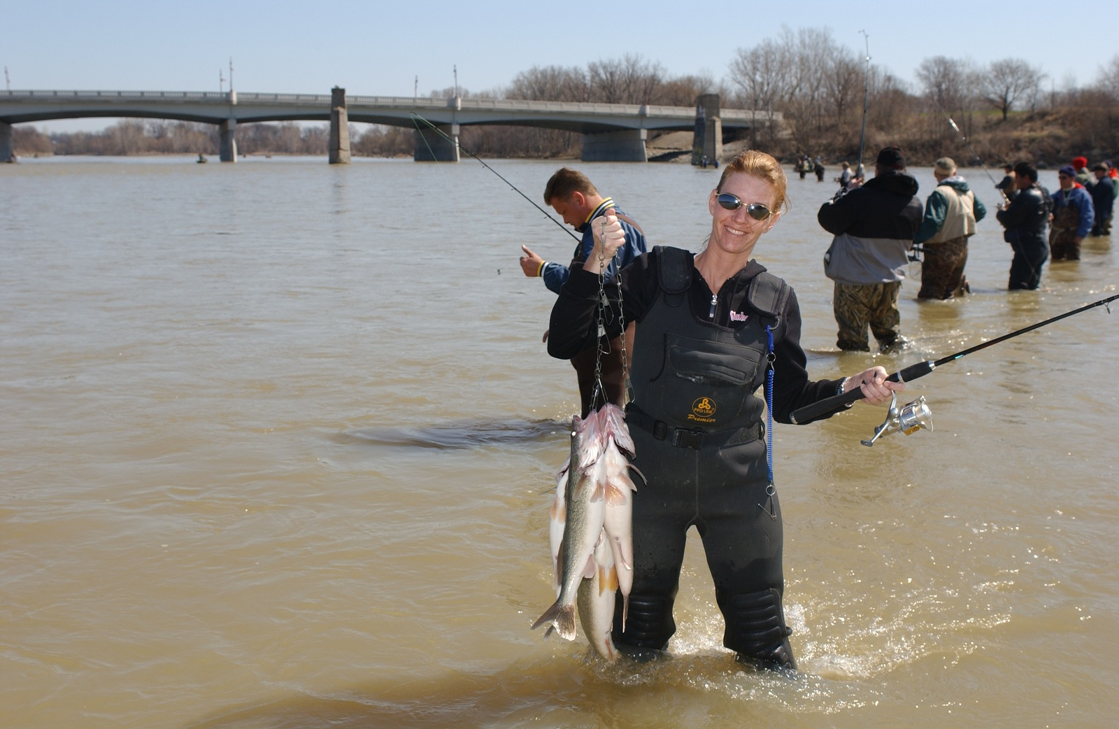 Wall to wall spring walleyes in ohio rivers outdoorhub for Maumee river fishing