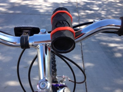 The Buckshot includes a mount that will easily connect to bicycle handlebars and things like them.