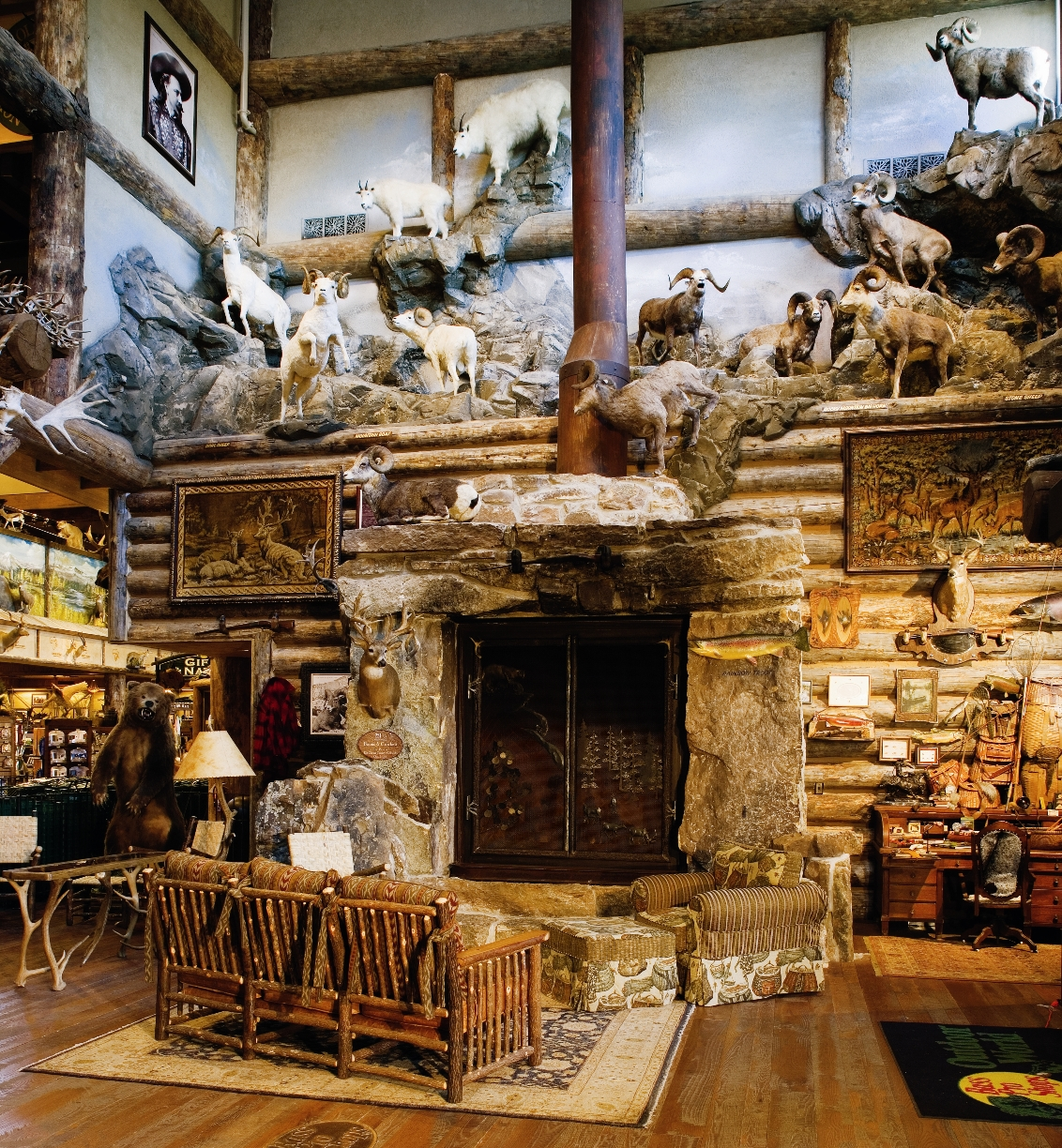Bass pro shops outdoor world opens august 20 in bristol for Bass pro shop fishing