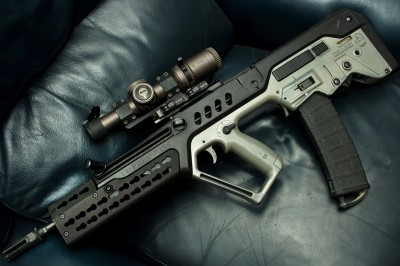 The author's Tavor with a Vortex Razor HD 1-6x24mm scope and Midwest Industries Tavor XL KeyMod Handguard. Note how high the scope sights above the rifle's bore. Image by Edward Osborne.