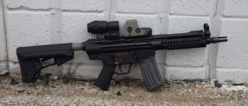 A D300P equipped with a Spuhr AR stock adapter.