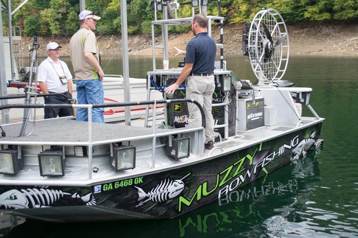 A shooter s introduction to bowfishing outdoorhub for Bow fishing boats