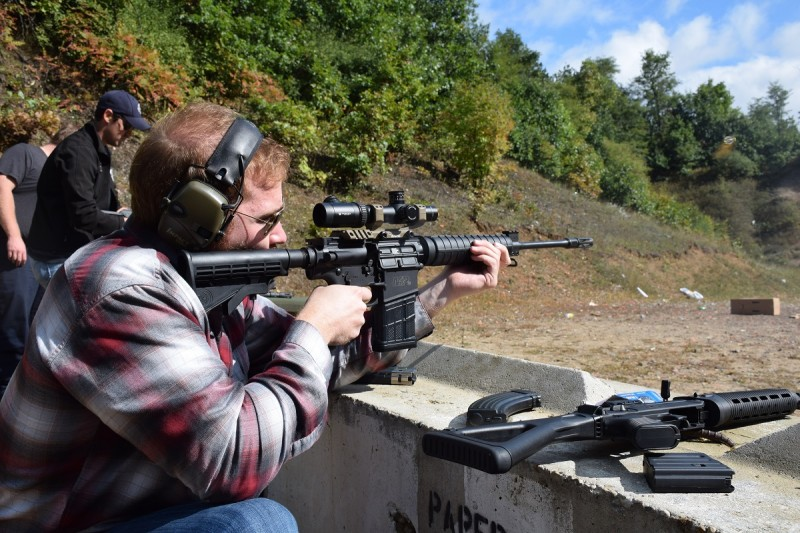 The author's friend takes aim with the M&P10.