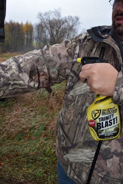 Scent control plays a big part in the success of many hunters. So do quiet, warm hunting clothes. Image courtesy Derrek Sigler.