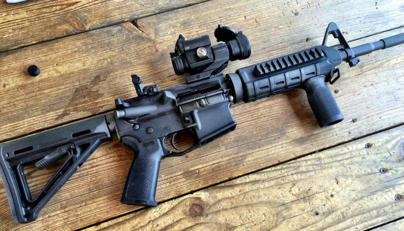 A Colt LE6920 geared up with Magpul accessories.