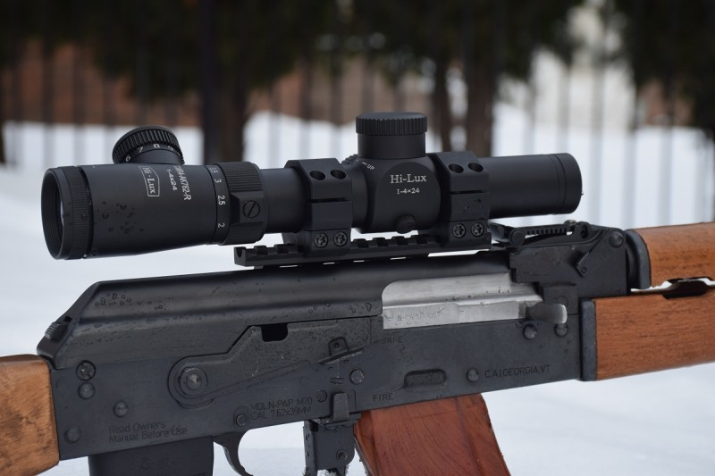 A Hi-Lux CMR4-AK762-R mounted on a Zastava NPAP using an RS Regulate AK-307 lower and AKR upper. The Hi-Lux is right at home on the AK.
