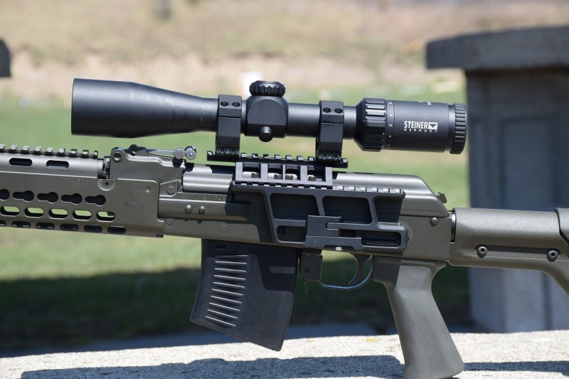 RS Regulate's modular mounts allow you to take full advantage of your AK's side rail. Seen here is an AK-303 lower and AKR upper.