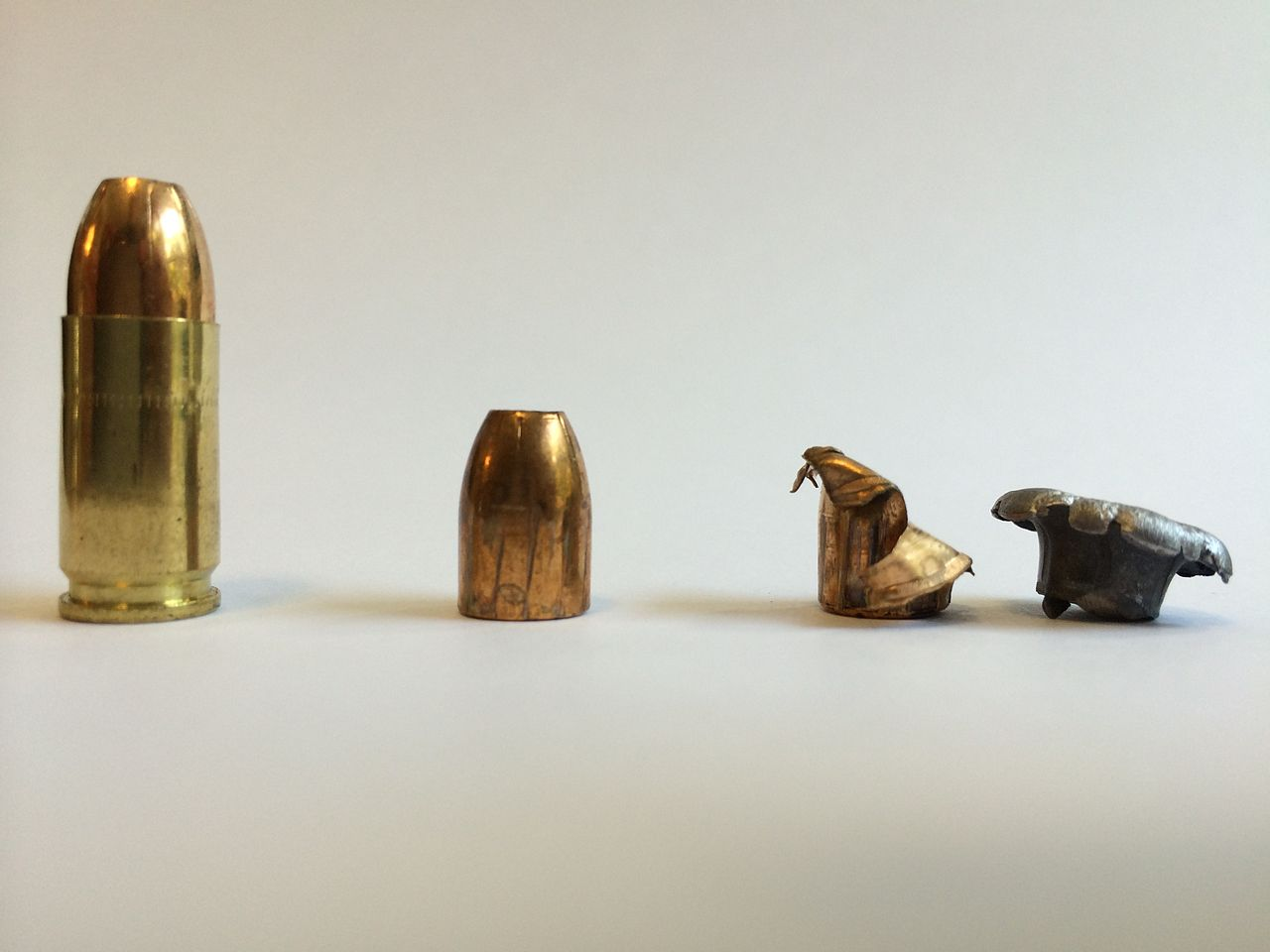 Are hollow-point bullets legal in California?