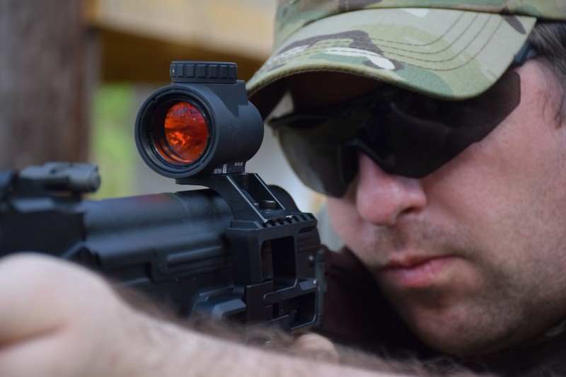 The low height of the AKMT allows the shooter to use the MRO while maintaining a comfortable cheekweld.