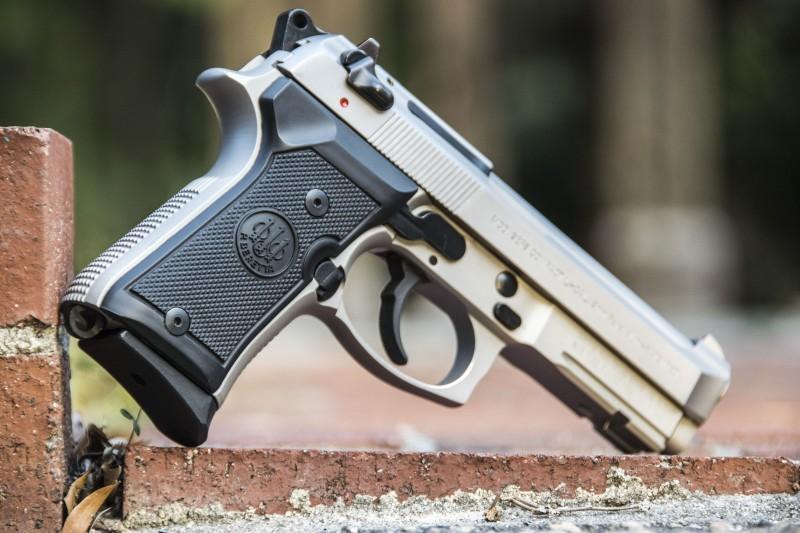 Review: Beretta M9A1 Compact Inox   OutdoorHub