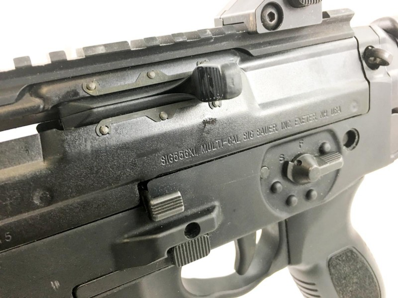 With the exception of the bolt charging handle and release,controls are ambidextrous.