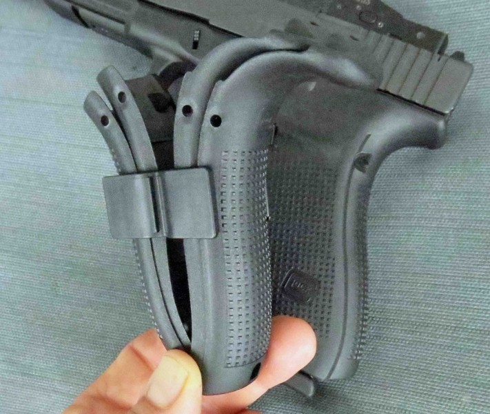 The backstraps included in the Glock 40 Gen4 MOS package.