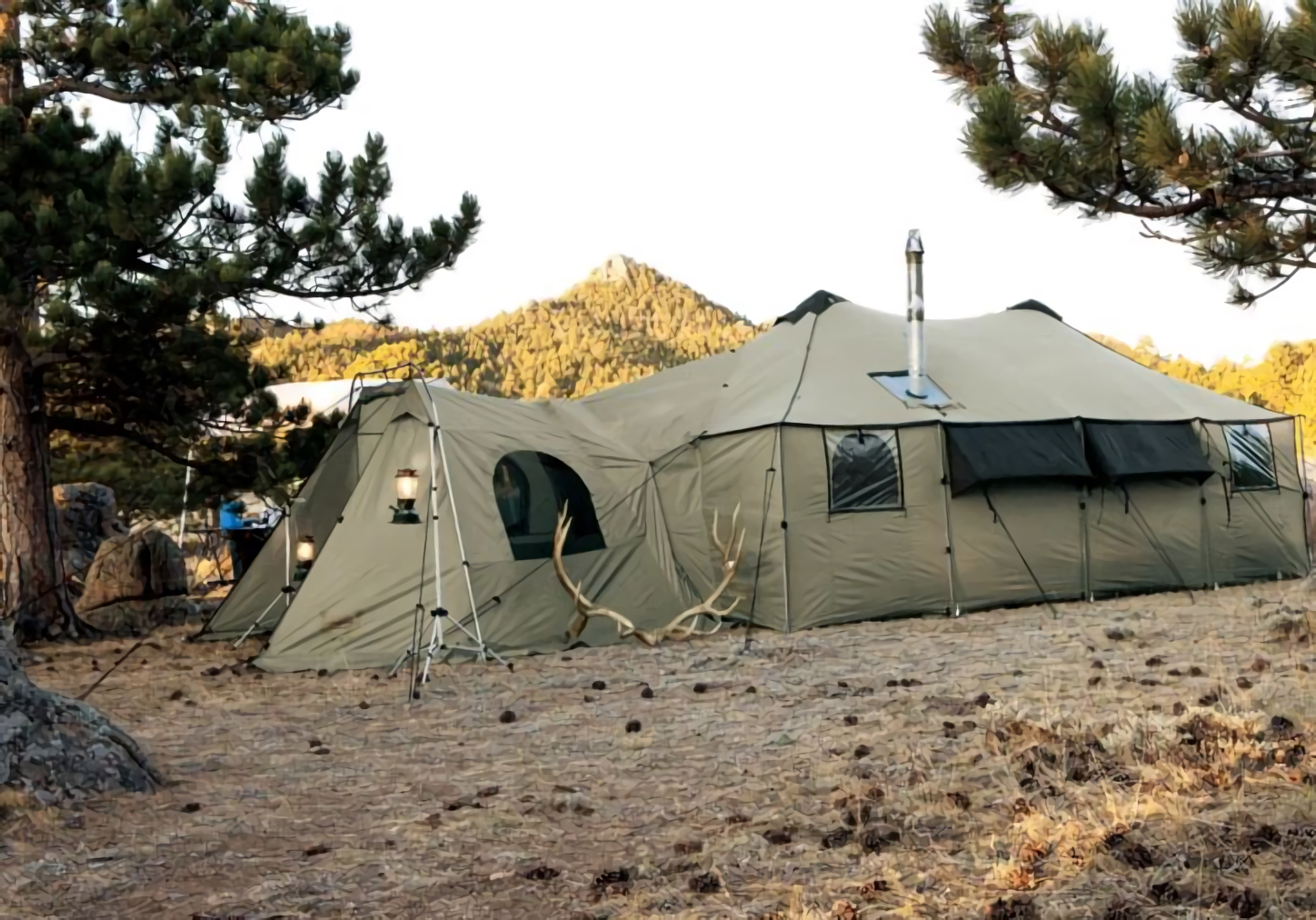 Video Why Settle For A Tent When You Can Have A Palace