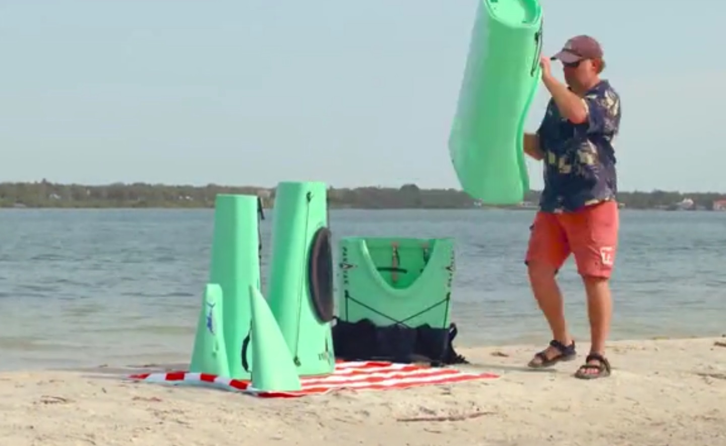 Video The Kayak That Fits Into A Backpack Outdoorhub