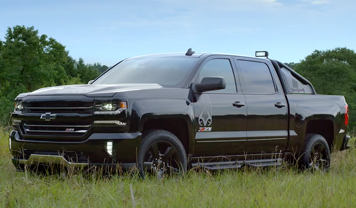 Video: Michael Waddell Introduces the New Silverado ...