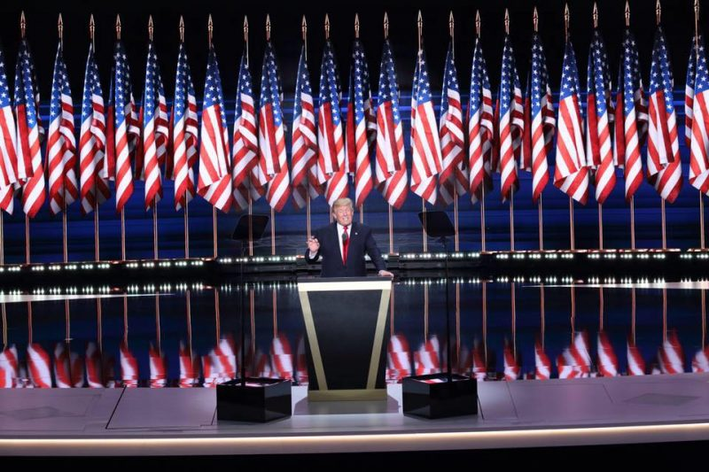 trump-with-flags