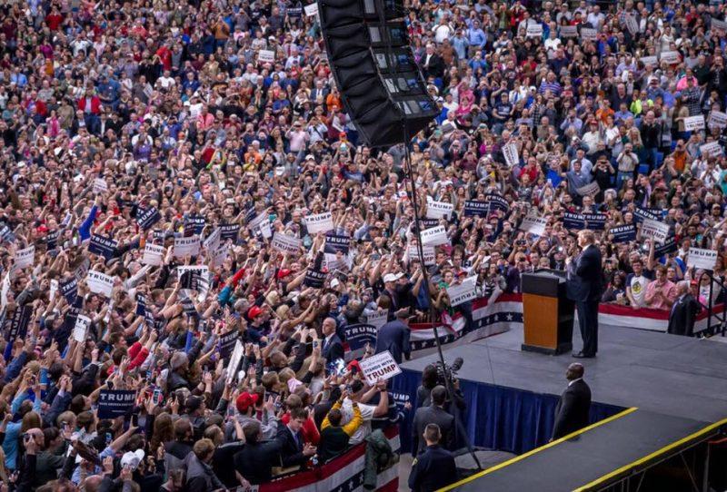 crowd donald-trump-3-facebook
