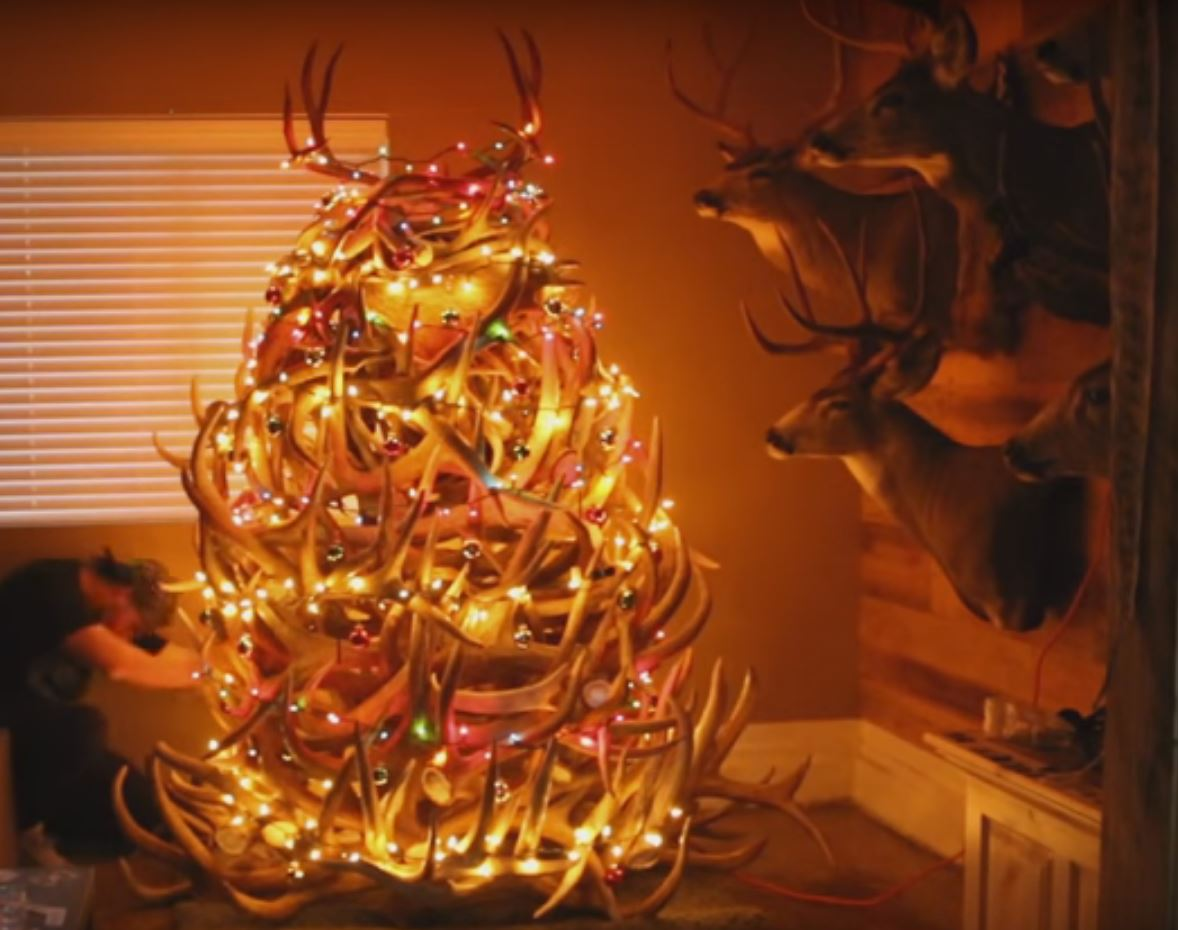 Video How To Put Up A Shed Antler Christmas Tree Outdoorhub