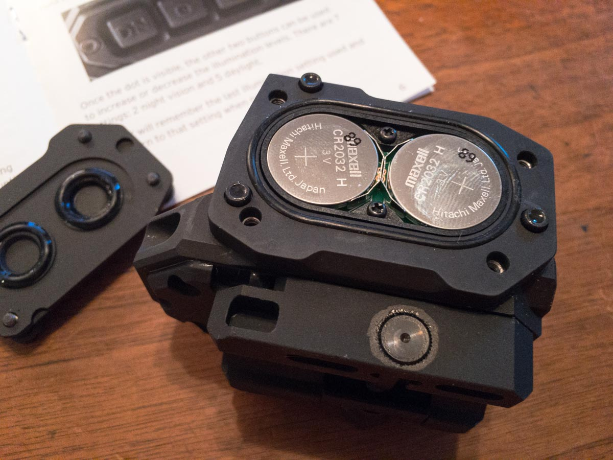 The R1X uses two CR-2032 batteries but will run on a single one in a pinch.