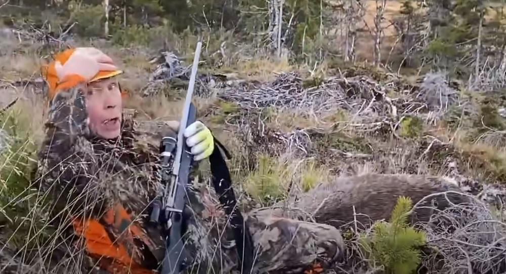 Hunter Drops Charging Moose